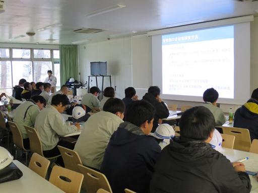 (一社)日本橋梁建設協会が鋼橋の製作についての講義の様子